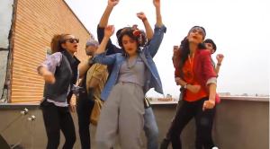 צעירים שמחים בטהראן