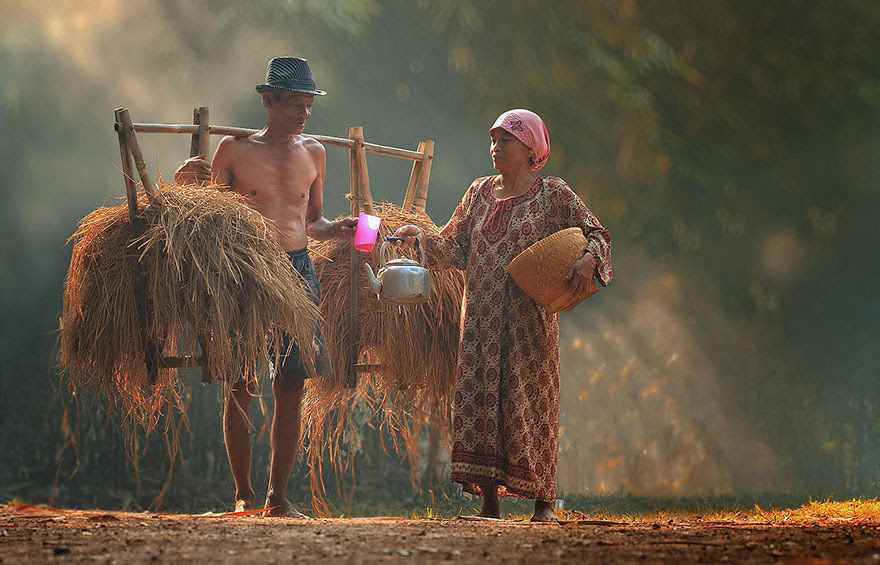 Foto Kehidupan Sehari-hari di Pedesaan 12