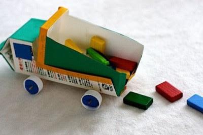 Jugetes material reciclado (4)