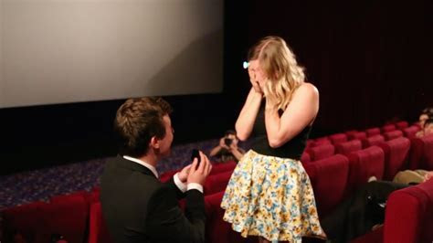 Aussie guy proposes to girlfriend in packed cinema. Best