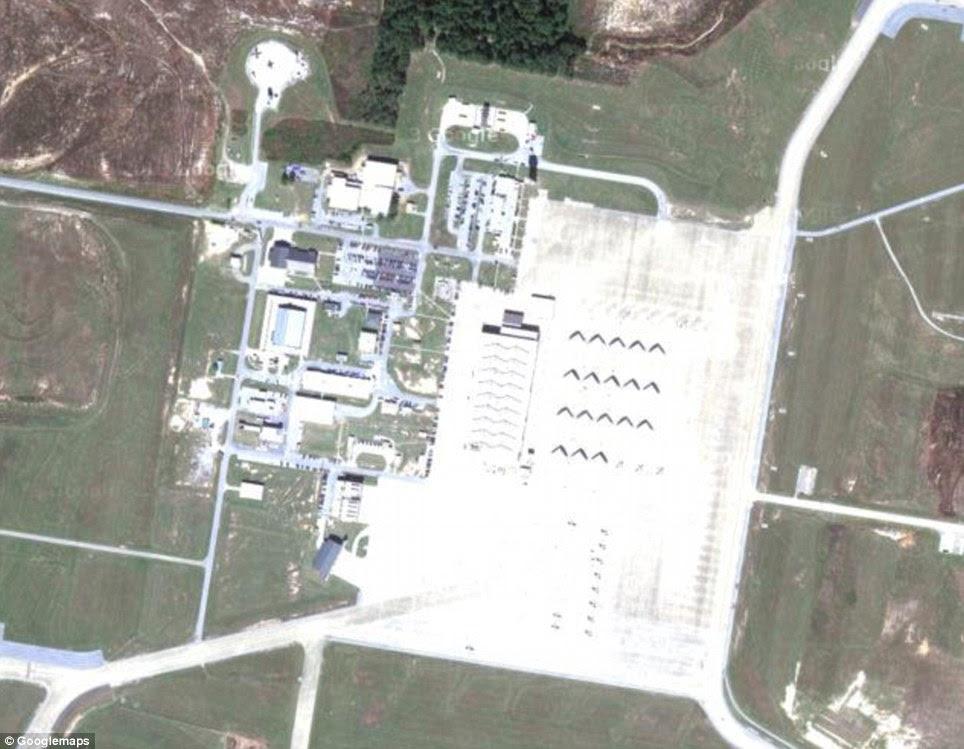 Mississippi: Naval Air Station Meridian ou NAS Meridian é um aeroporto militar e é um dos dois centros de formação de pilotos de jato de ataque da Marinha. Foi inaugurado em 1961
