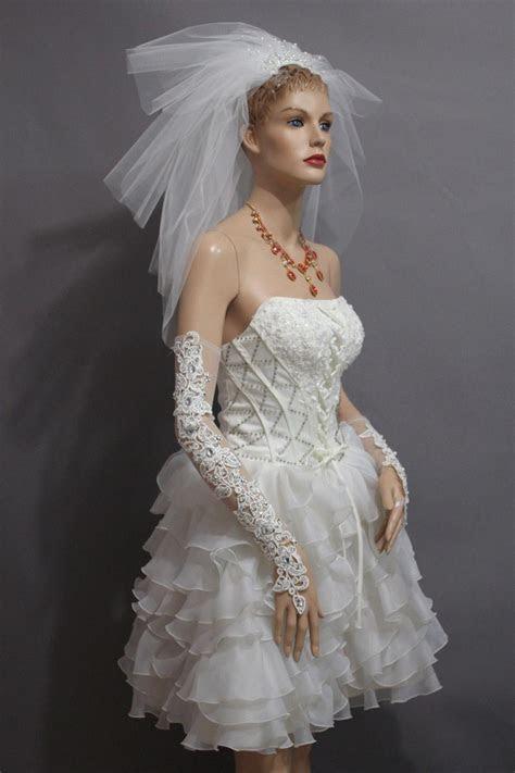2016 New Gorgeous Fingerless Lace Bridal Gloves Wedding