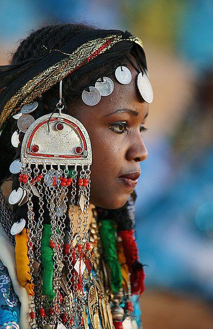 Africa | Portrait from Teniri Festival. Ghadames, Libya | © Sasi Harib