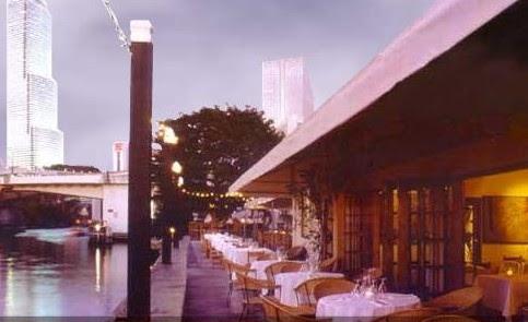 Big Fish, restaurante en el río Miami con atracadero propio.