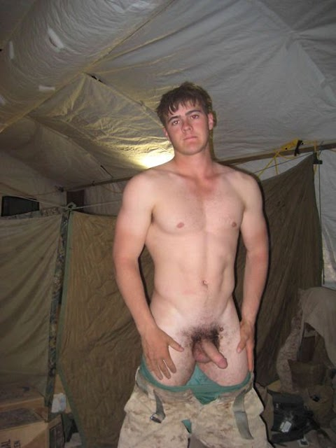Straight Guys Caught Naked Pics (@Tumblr)   Top 12 Hottest