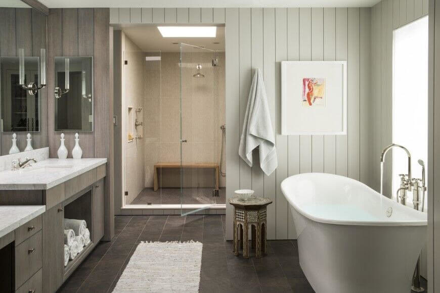 30 Master Bathrooms with Free-Standing Soaking Tubs (Pictures)