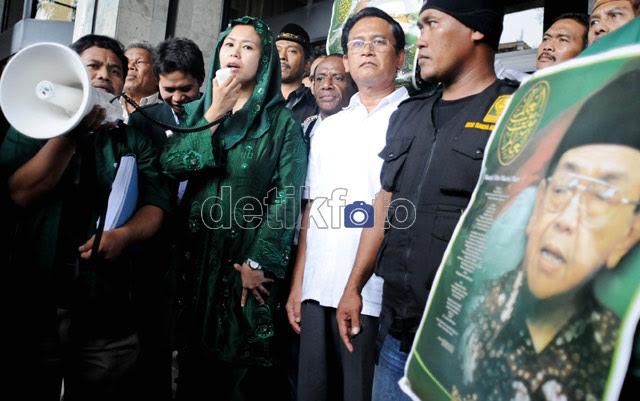 Yenny Wahid Gagal Bertemu Menkum HAM