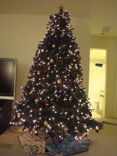 Tree with bulbs