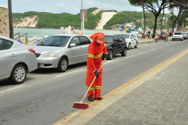 Coleta de lixo na capital potiguar é intensificada com operação Verão