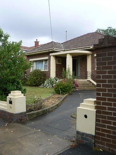 70 Peterleigh Grove, Essendon