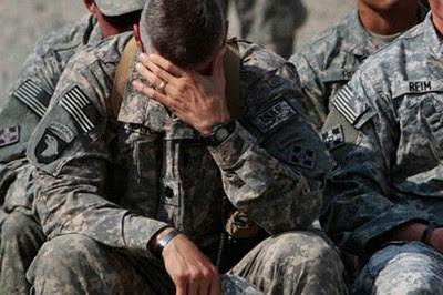 Resultado de imagen de soldado llorando