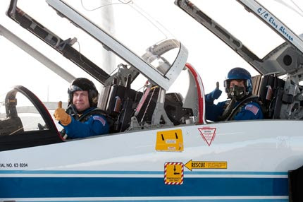 STS-131 Commander Alan Poindexter and Mission Specialist Dorothy Metcalf-Lindenburger in T-38 jet.