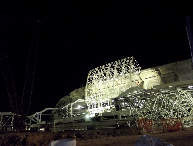 Arena das Dunas - montagem da cobertura metálica (Foto: Jocaff Souza)
