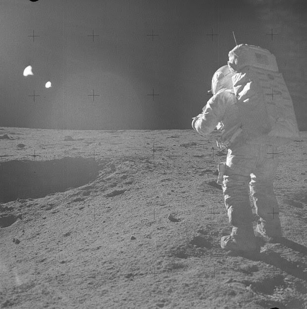 Incredible Online Gallery of High Res Film Scans from Every Apollo Mission apollo14 1