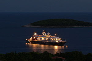 Cruise ship at Hvar.