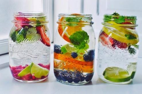 6-προσθήκες-στο-καθημερινό-ποτήρι-νερό