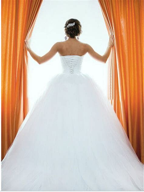 White Wedding Dresses Crystals Sweetheart Bodice Ball Gown