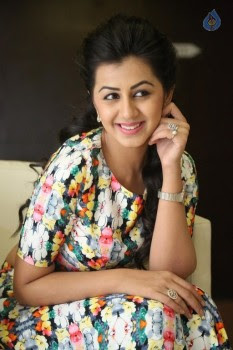 Nikki Galrani Latest Stills :23-02-2016