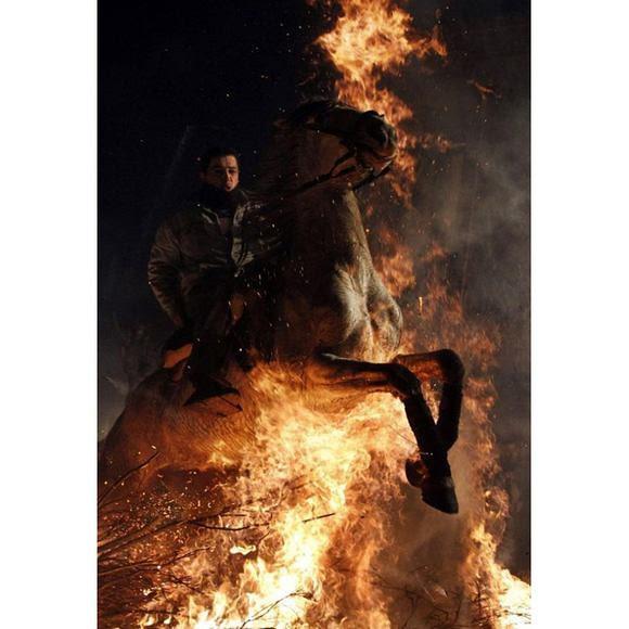 horses-through-the-fire-13