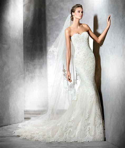 pronovias princia wedding gown size  fits