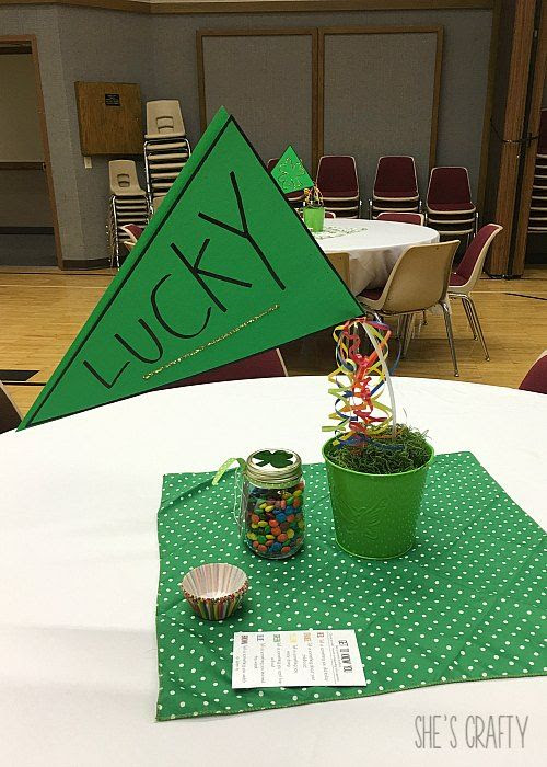 St Patrick's Day party, table decor, inexpensive party decorations