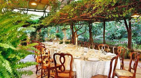 Garden Restaurant in Sorrento   Sorrento   Amalfi Coast