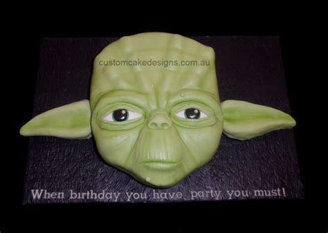 Yoda Face Cake   CakeCentral.com