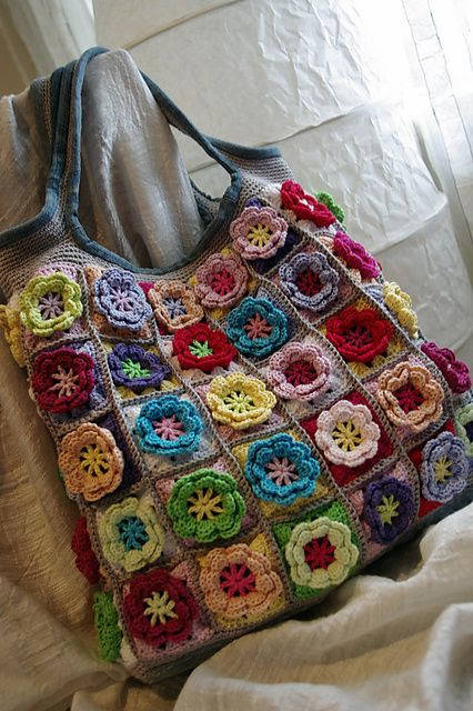 Beautiful #crochet bag - free pattern