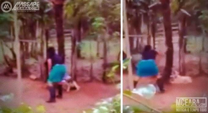 Crueldade: Vídeo mostra mulher matando cadela a golpes de enxada. Cenas fortes
