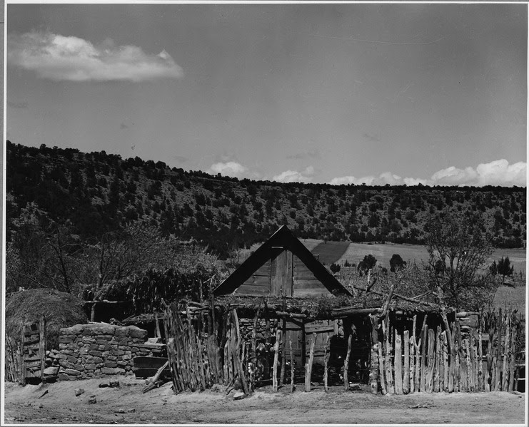 File:El Cerrito, San Miguel County, New Mexico. A complete farm unit - a storage shed with a tight roof, . . . - NARA - 521159.tif