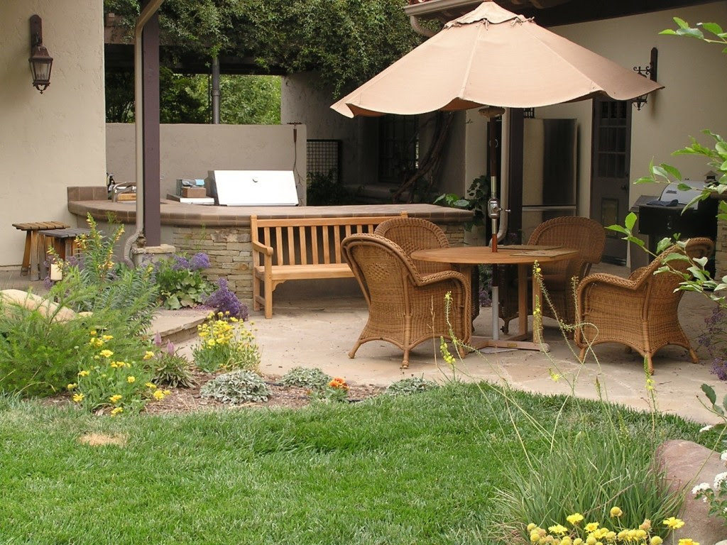 15 Fabulous Small Patio Ideas - Home and Gardening Ideas ...