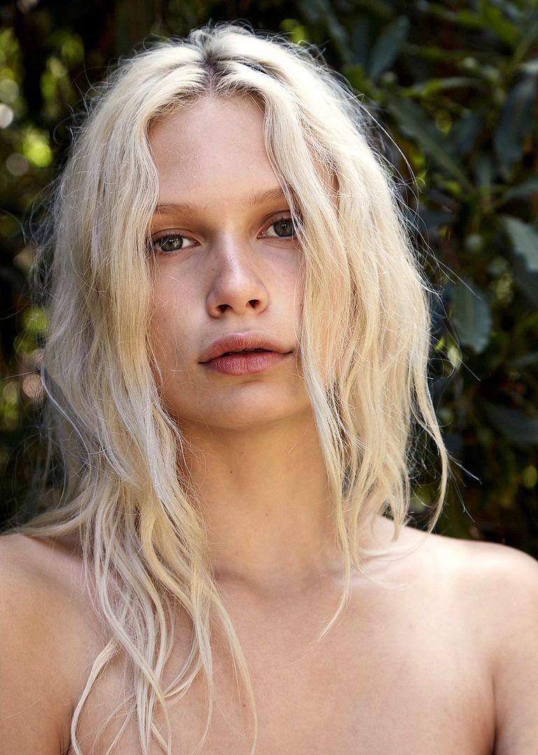 Le Fashion Blog -- Model Crush: Delilah Parillo with gorgeous blonde wavy hair -- Via Nylon -- photo Le-Fashion-Blog-Model-Crush-Delilah-Parillo-Blonde-Wavy-Hair-Via-Nylon.jpg