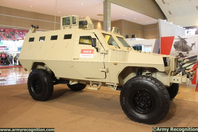 http://www.armyrecognition.com/images/stories/asia/indonesia/defence_exhibition/indodefence_2014/news/pictures/SSE_unveiled_modernized_PAKCI_P2_Armoured_Personnel_Carrier_at_IndoDefence_2014_640_001.jpg