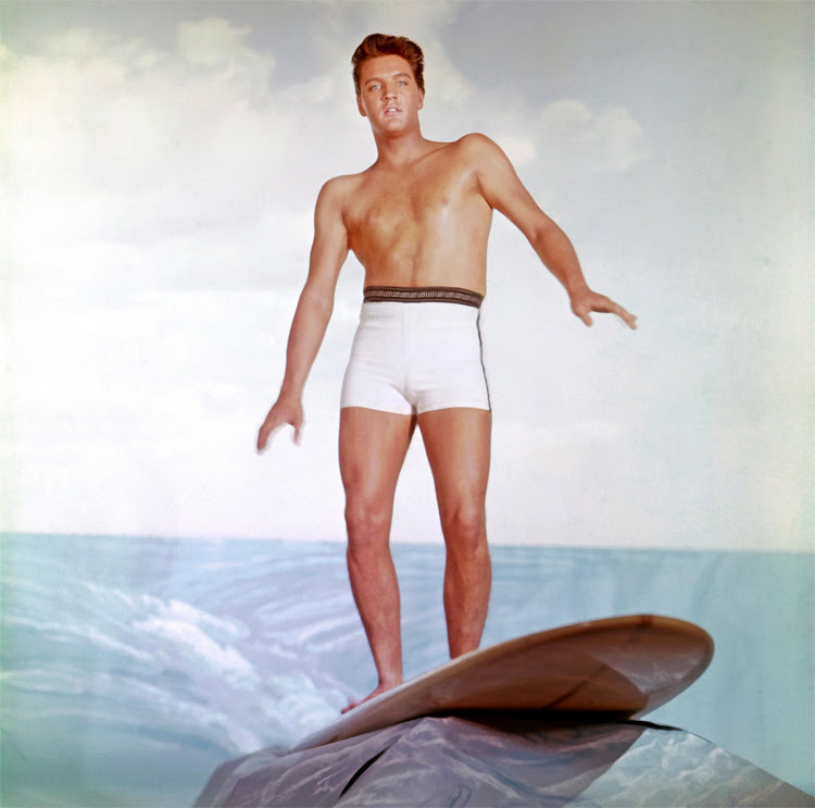 Elvis Presley: a kook moment for 'Blue Hawaii'