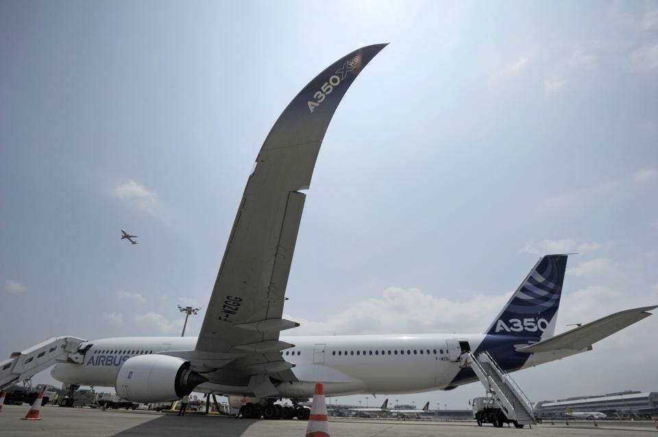 Airbus shows off A350 at big Asian airshow