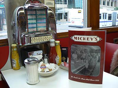 mickey's diner juke box.jpg