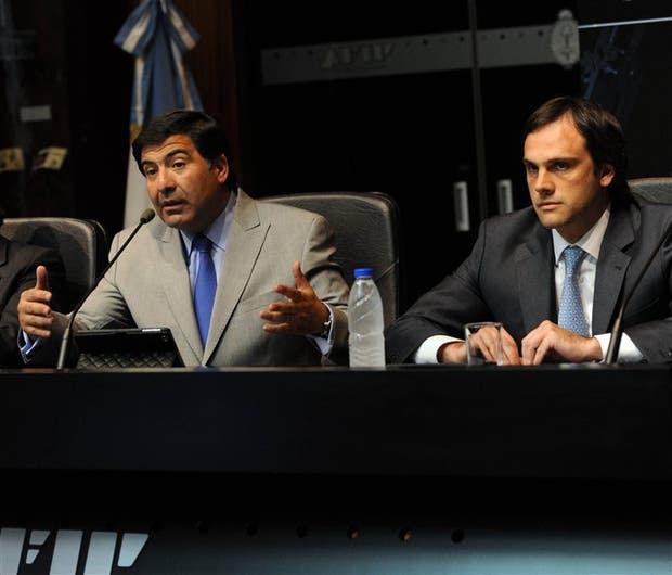 Echegaray y Michel, en 2014; en el Gobierno los señalan como sospechosos