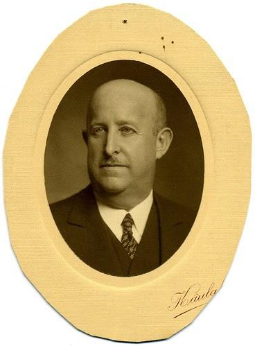 Retrato de Ángel del Campo hacia 1936 por Káulak