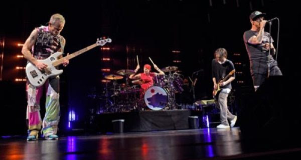Red Hot Chili Peppers Kick f Getaway Tour College News
