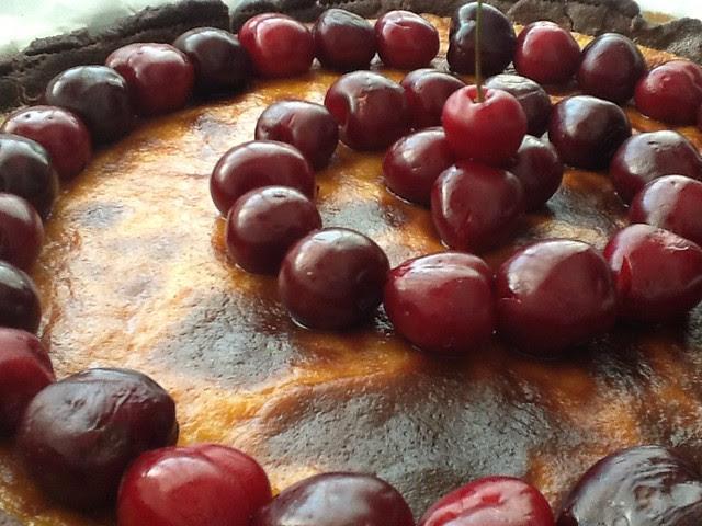 Tarta de Cerezas y Chocolate Blanco