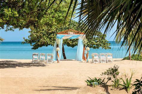 5 of the Best Beach Wedding Locations   Liz Moore
