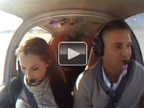 Guy tells girlfriend their plane is crashing, proposes