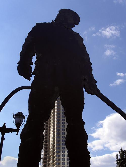 worker sculpture