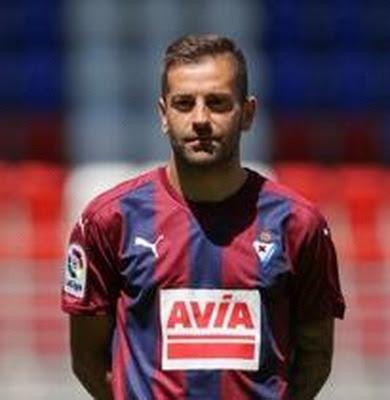 Rubén Peña Jiménez (nacido el 18 de julio de 1991 en Ávila, Castilla y León, España) futbolista profesional de Primera División. Actualmente pertenece a la Sociedad Deportiva Eibar. Jugador polivalente, con mucha rapidez, desborde y calidad en el...