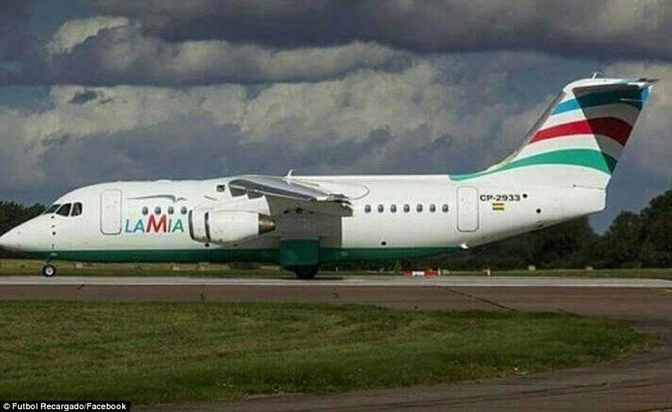 Na foto é o avião que caiu na Colômbia na segunda-feira à noite depois de supostamente sofrendo falhas de energia