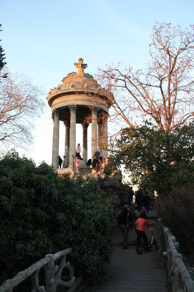 Paris Parc des Buttes Chaumont 387126 12 2011