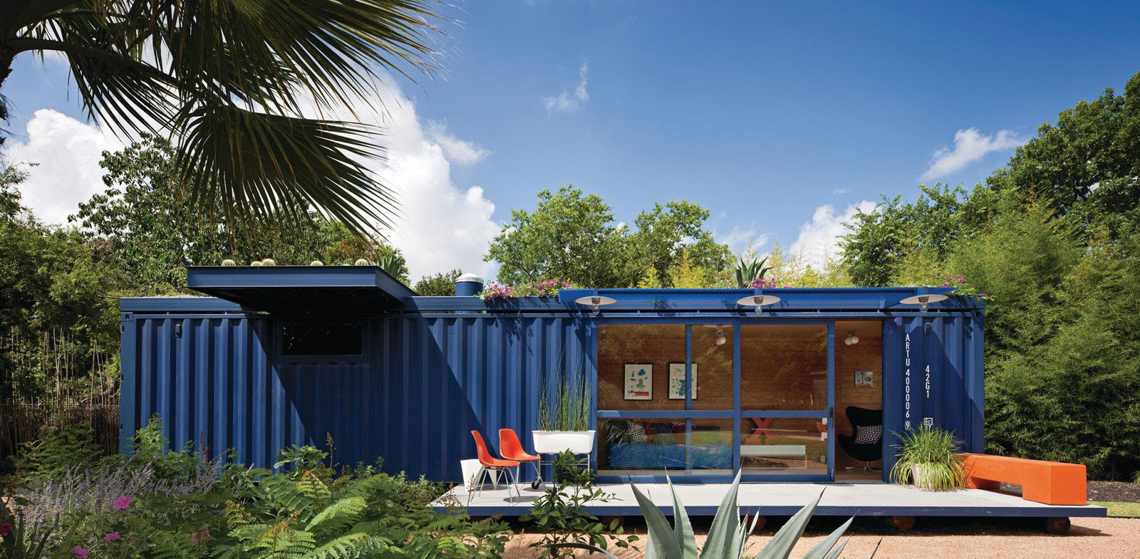 Shipping Container Guest House by Jim Poteet | HomeDSGN, a daily ...
