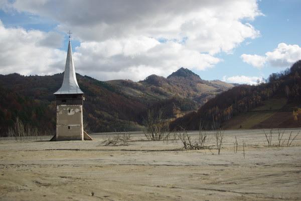 http://bogdanbalaban.ro/spaw2/uploads/images/ValeaSesii/IMGP2603.JPG
