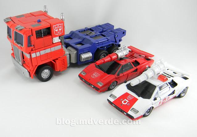 Transformers Red Alert - Masterpiece - modo alterno vs Optimus vs Sideswipe