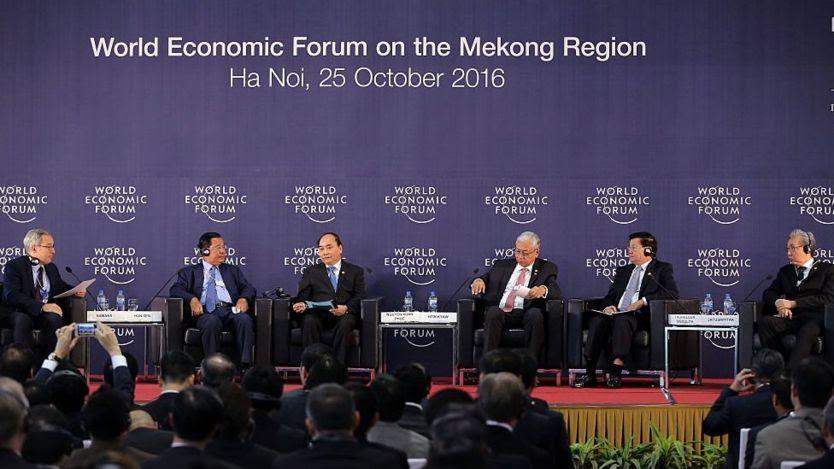 Thủ tướng Nguyễn Xuân Phúc tại Diễn đàn Kinh tế Thế giới về Mekong ở Hà Nội